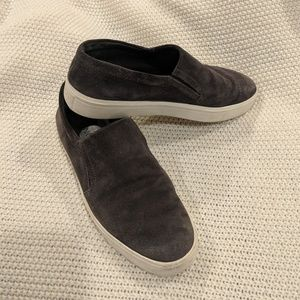 Vince Blair slip-ons suede size 9M